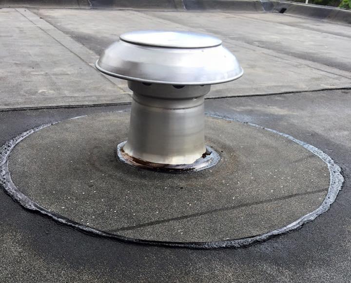bitumen dakbedekking doorvoer